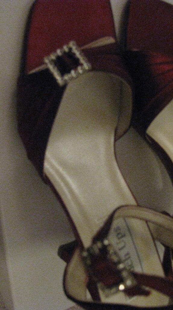 Touch Ups Sexy Satin Deep rot Rhinestone Buckles damen damen damen schuhe Sandals SZ 7 New 207784