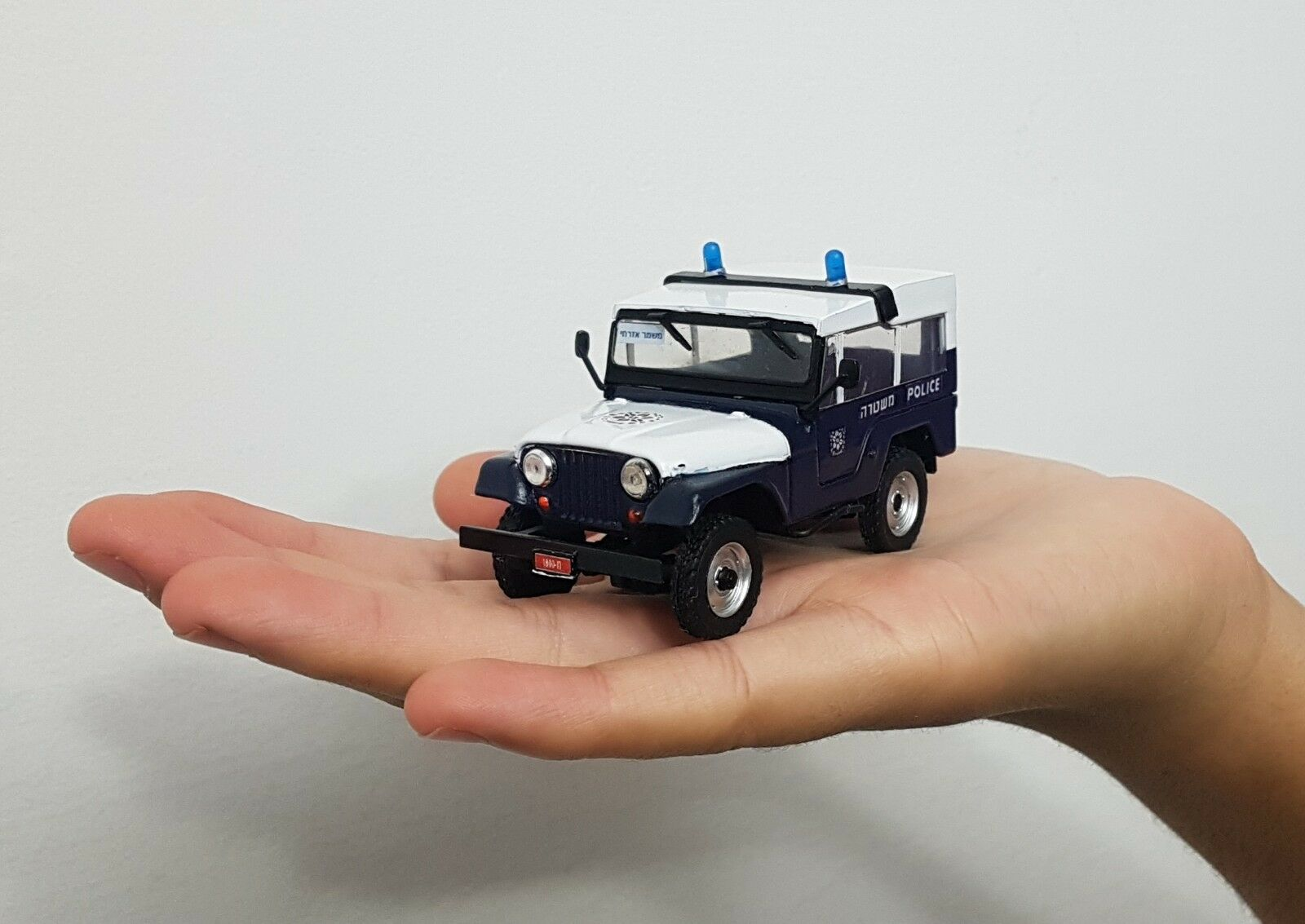;) VERY RARE ISRAEL POLICE CAR JEEP CJ5 SCALE 1 43 MODEL  BEST GIFT