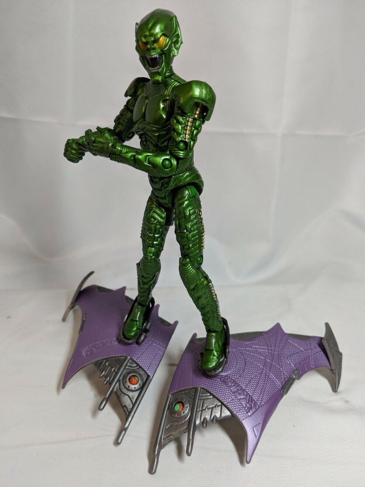 2002 Super Poseable verde GOBLIN w GLIDER giocattolo Biz MARVELSpideruomo SADC07