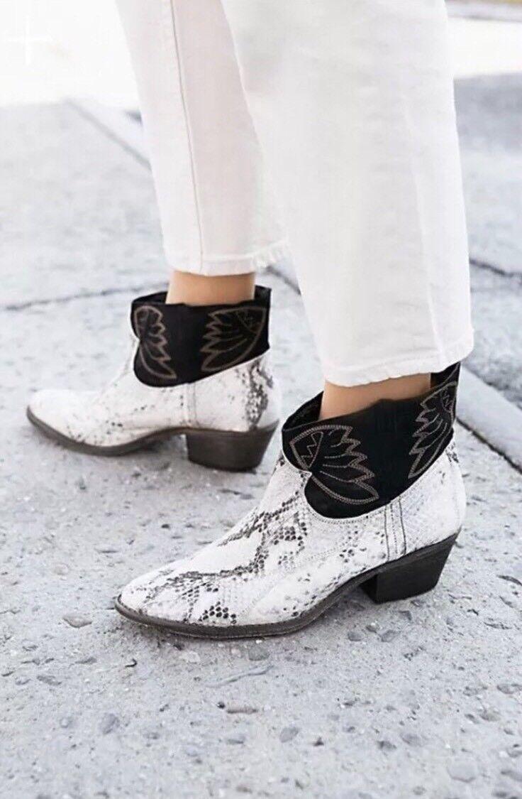 New Free People Dorado Leather Weiß Snake Snake Snake Effect Ankle Stiefel Sz 38 e0cab4