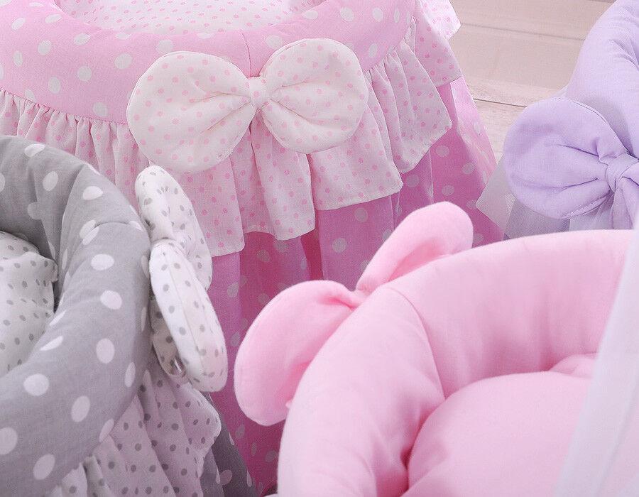 Baby lag in rosa stubenwagen im freien u stockvideo danr