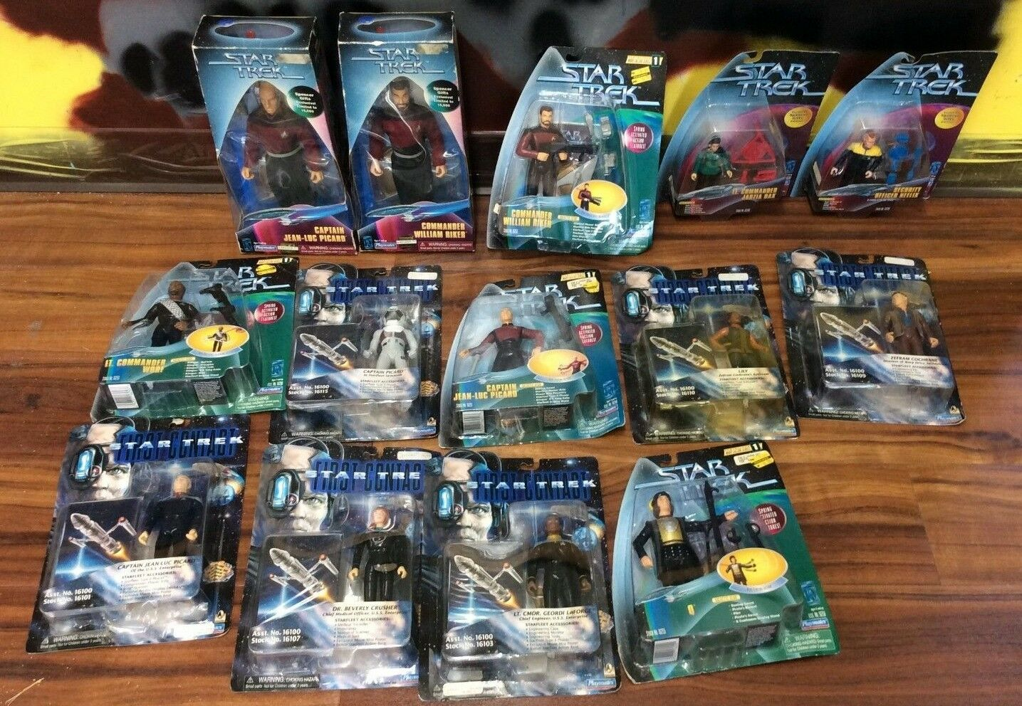 Playmates Star Trek Action Figure Lot Of 14  New In Box  Shelf Wear  See Pics