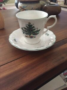 Beautiful-Nikko-HAPPY-HOLIDAYS-Tea-Cup-and-Saucer-Plate-FREE-SHIPPING
