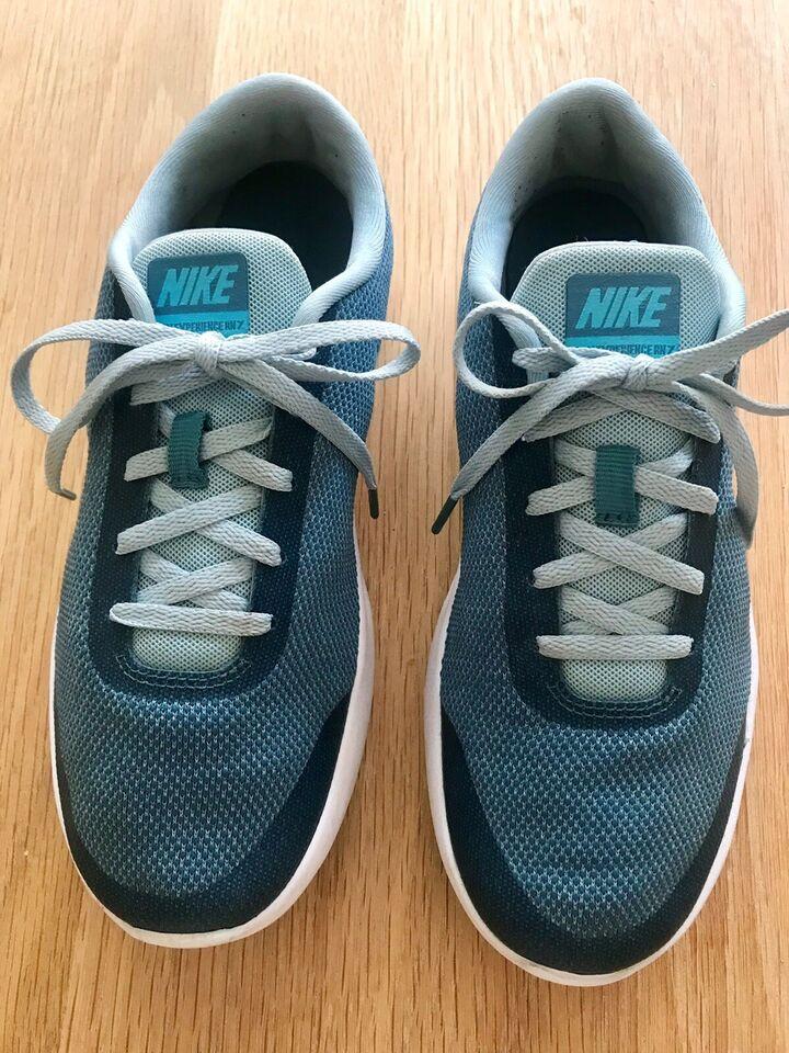 Sneakers, str. 40, Nike