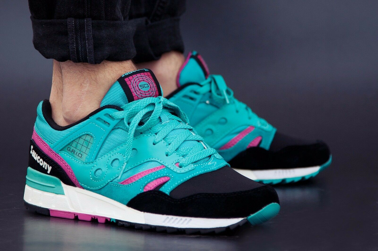 NEW IN BOX Mens Saucony Grid SD Teal Black Casual Running shoes S70164-2 SZ 7-10