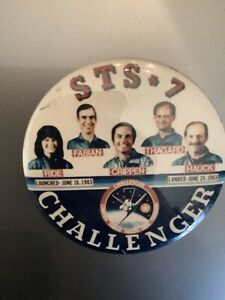 Vintage-Rare-NASA-Space-Shuttle-STS-7-Challenger-Button-1983-Sally-RIDE