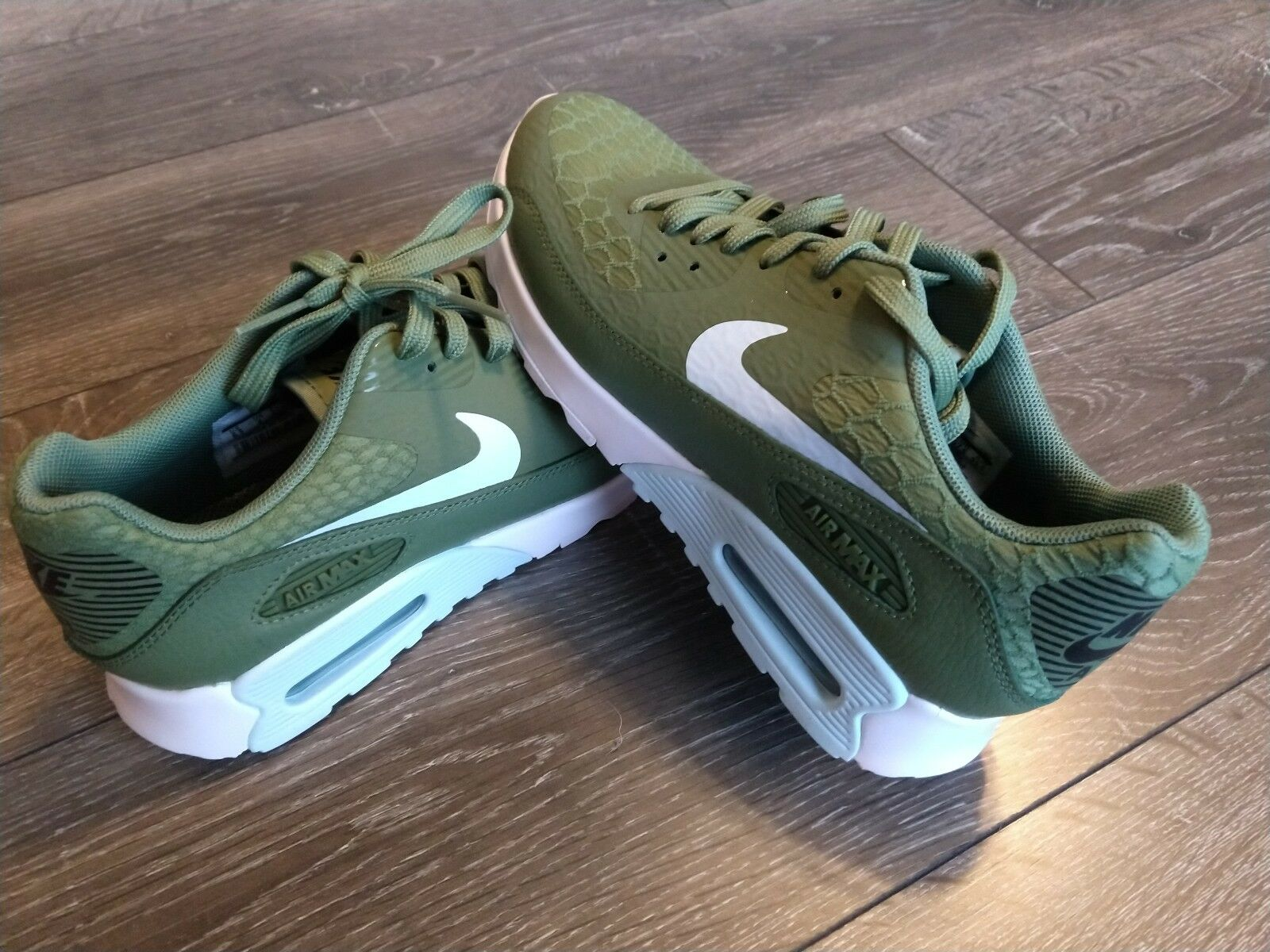 WOMEN'S NIKE AIR MAX 90 ULTRA 2.0 CASUAL SHOES SIZE  6 PALM GREEN 881106 300