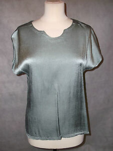 NEW-WITH-TAGS-silvery-pale-green-SAHARA-top-M-12