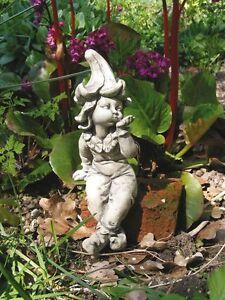 Blumenkind-Stechapfel-sitzend-Resin-Gartenfigur-Gartendeko-NEU