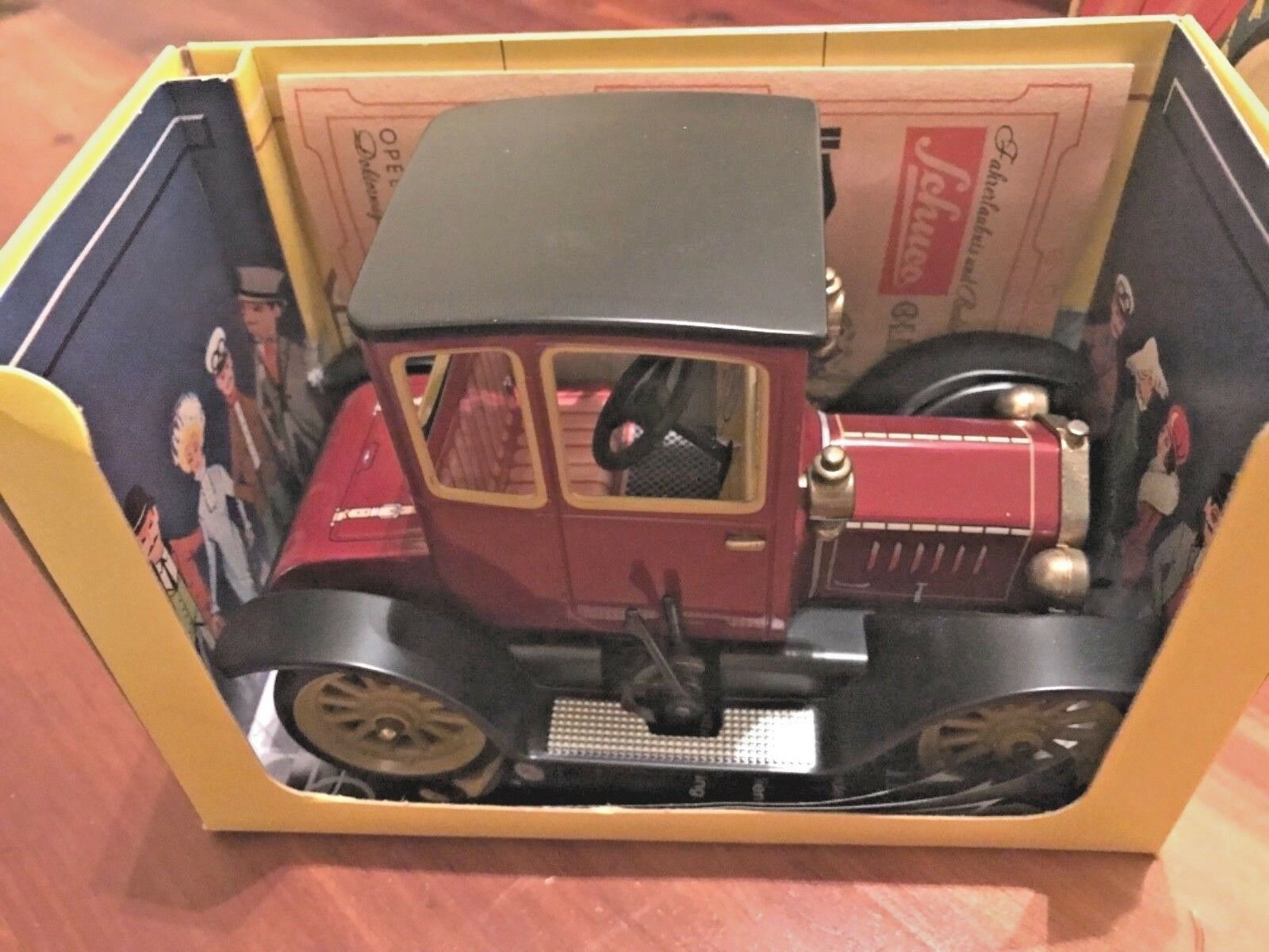 Schuco Oldtimer (Germany) Maroon Ford Model T Coupe 1917 1917 1917 Tinplate Wind-Up bddfea