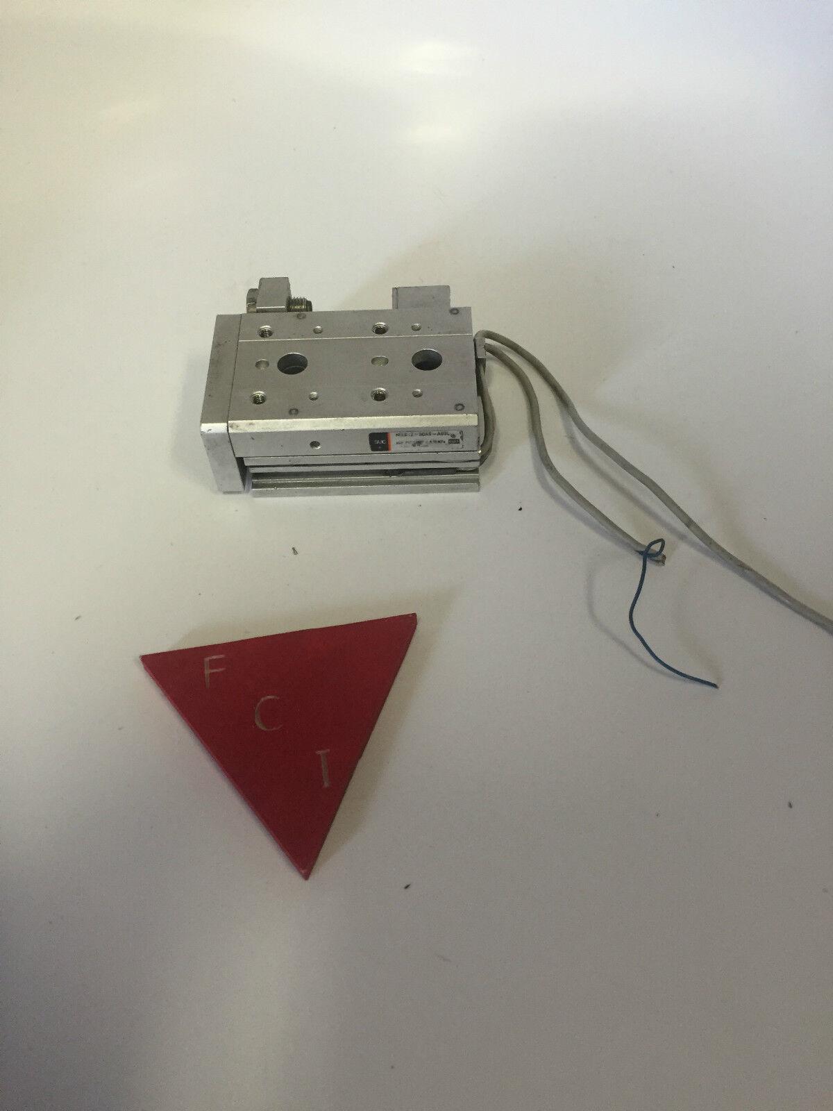 SMC MXS12-30 With sensors table slide
