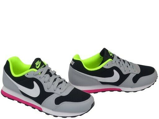 gs) Black / Grey Girls Trainers Size