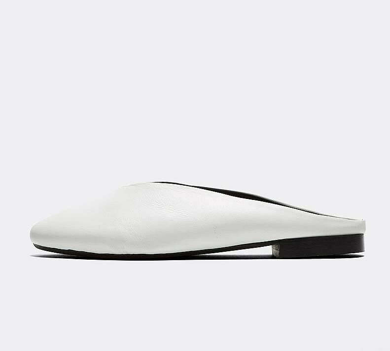 Adroit Femme Forena Bailey-slip On Mule Chaussures Blanches Rrp £ 34.99 Surface LustréE
