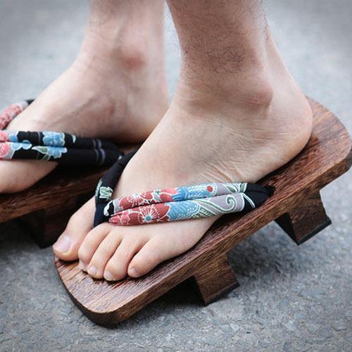New Japanese GETA Clogs Unisex Totem Wooden bidentate Flops Wood Sandals Shoes