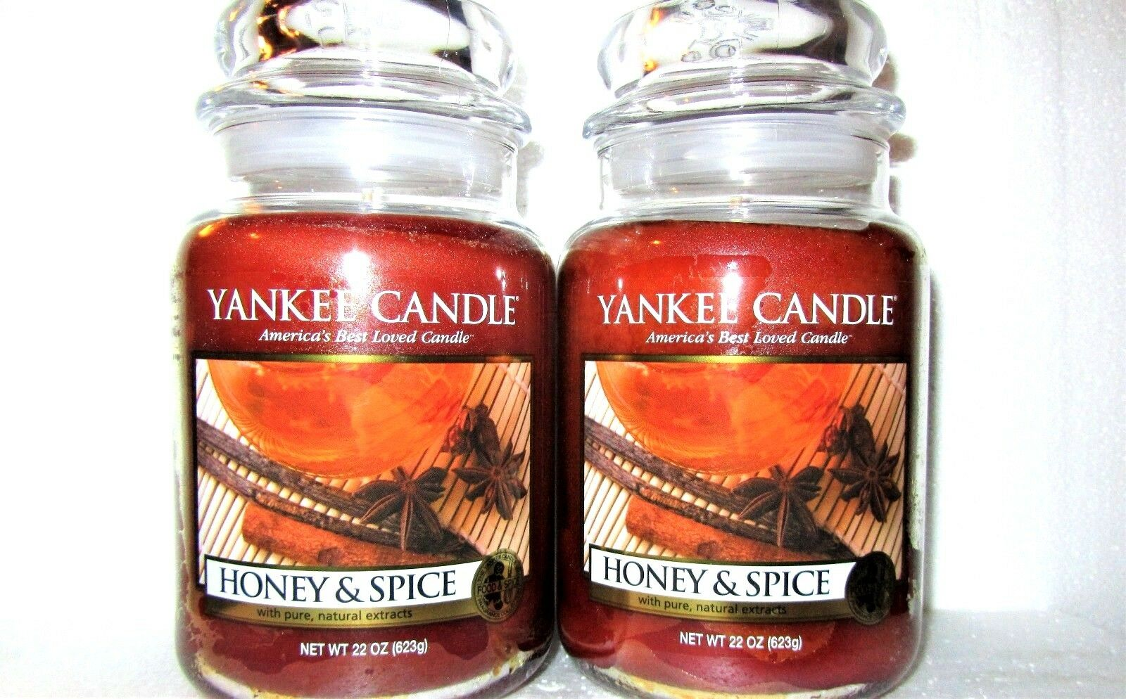 SET OF 2 Yankee Candle  HONEY & SPICE   Large 22 oz. Weiß LABEL  NEW
