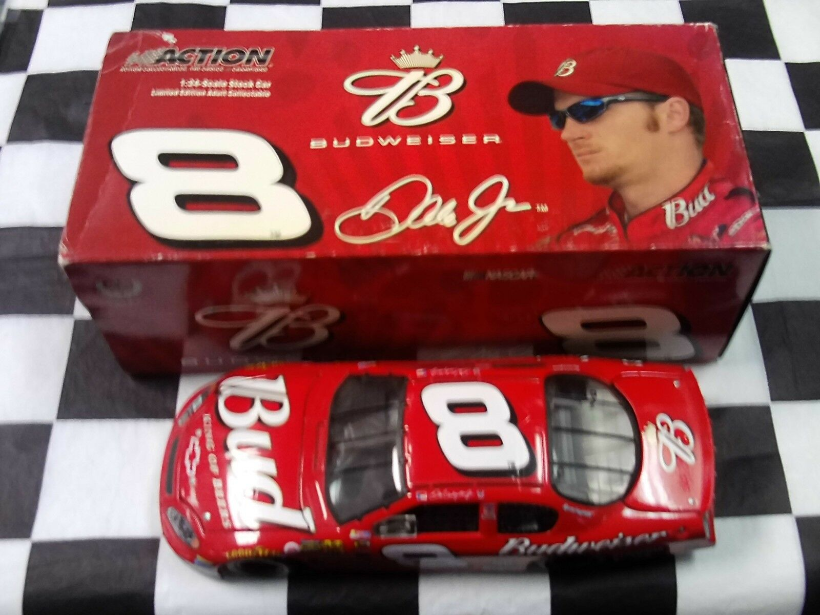 Dale Earnhardt Jr  8 Budweiser 2004 MONTE CARLO 1 24 Action Neuf dans sa boîte GM Dealer 105989