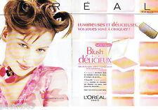 PUBLICITE ADVERTISING 125  2002  L'OREAL maquillage blush  (2p) Laetitai Casta