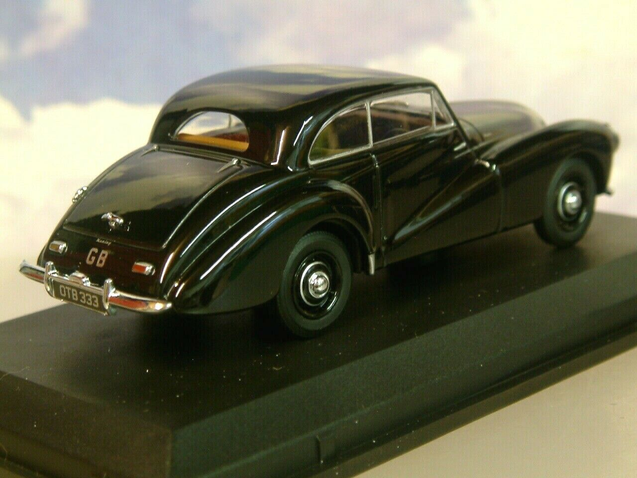 Estupendo Oxford Diecast 1 43 1950-1954 1950-1954 1950-1954 Healey Tickford Saloon en Negro Ht002 faa628