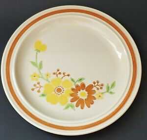 1982-Homer-Laughlin-Floral-Dinner-Plate-10-034-Yellow-amp-Rust-Orange-Flowers