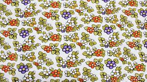 Tessuto-Cotone-Stampato-Fiorellini-Ceramica-Tun-Arancione-Verde-Panna-al-Metro