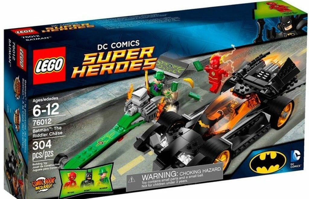 Nuovo LEGO DC Comics 76012 Super Heroes 3 Minifigures Batman Flash Riddler &2 Cars