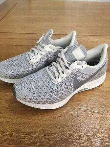 Nike-Zoom-Pegasus-35-Turnschuhe-Laufschuhe-Groesse-UK-3-hellgrau