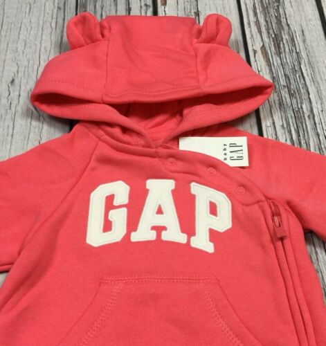 Nwt Baby Gap Girls 0-3 Month Bright Pink /& White Gap Logo Jumpsuit Romper