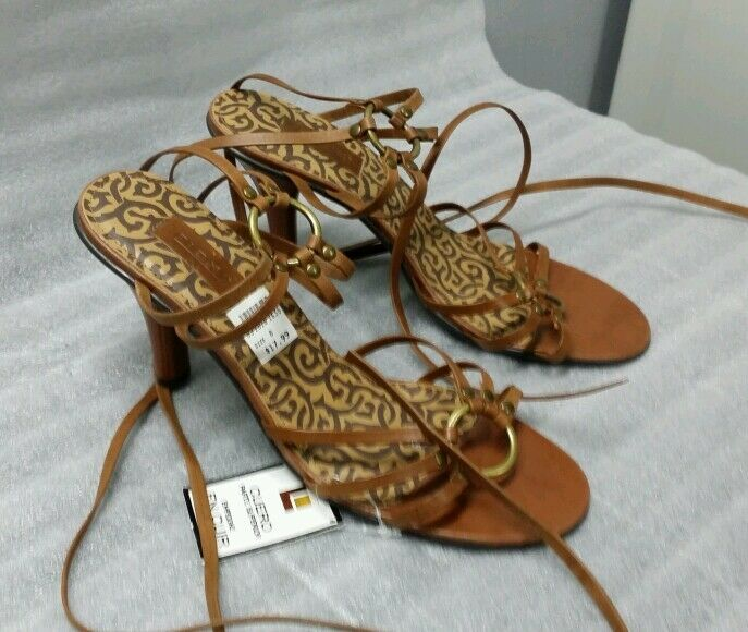 Fiona shoes sandals 8 straps leather upper Size 8 sandals Brown NWT 8722a0