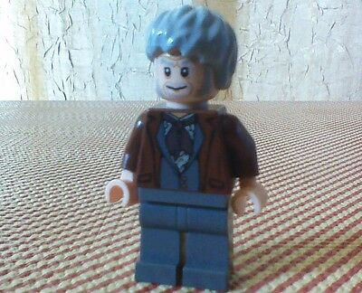 LEGO Harry Potter OLLIVANDER (From Diagon Alley) Minifigure-RARE & COLLECTIBLE !