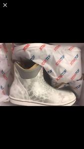 Yeti-White-Xtratuf-Boots
