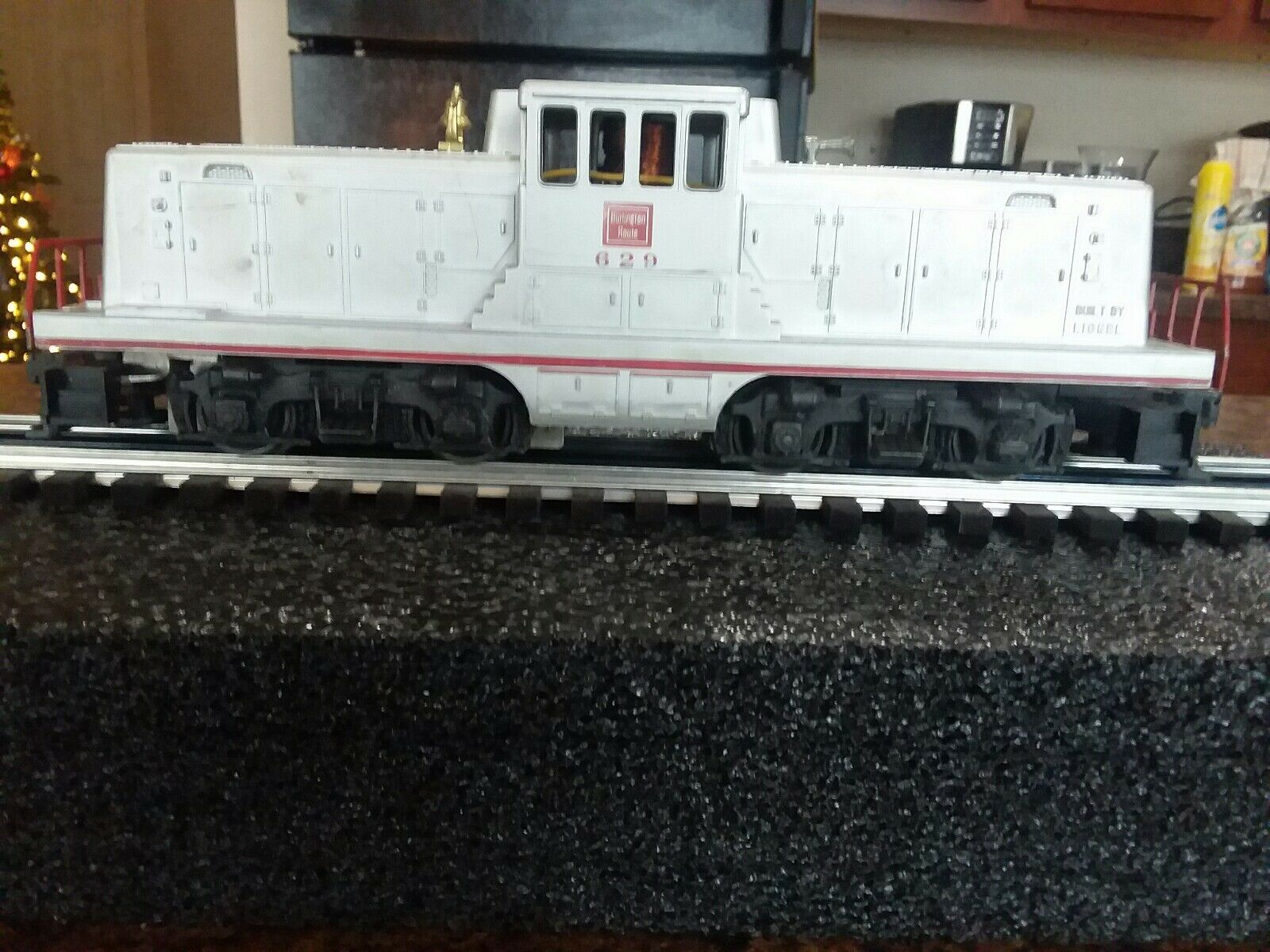 Lionel No. 629 Burlington GE 44 Ton Switcher with with with Tattered Box Item 56b569