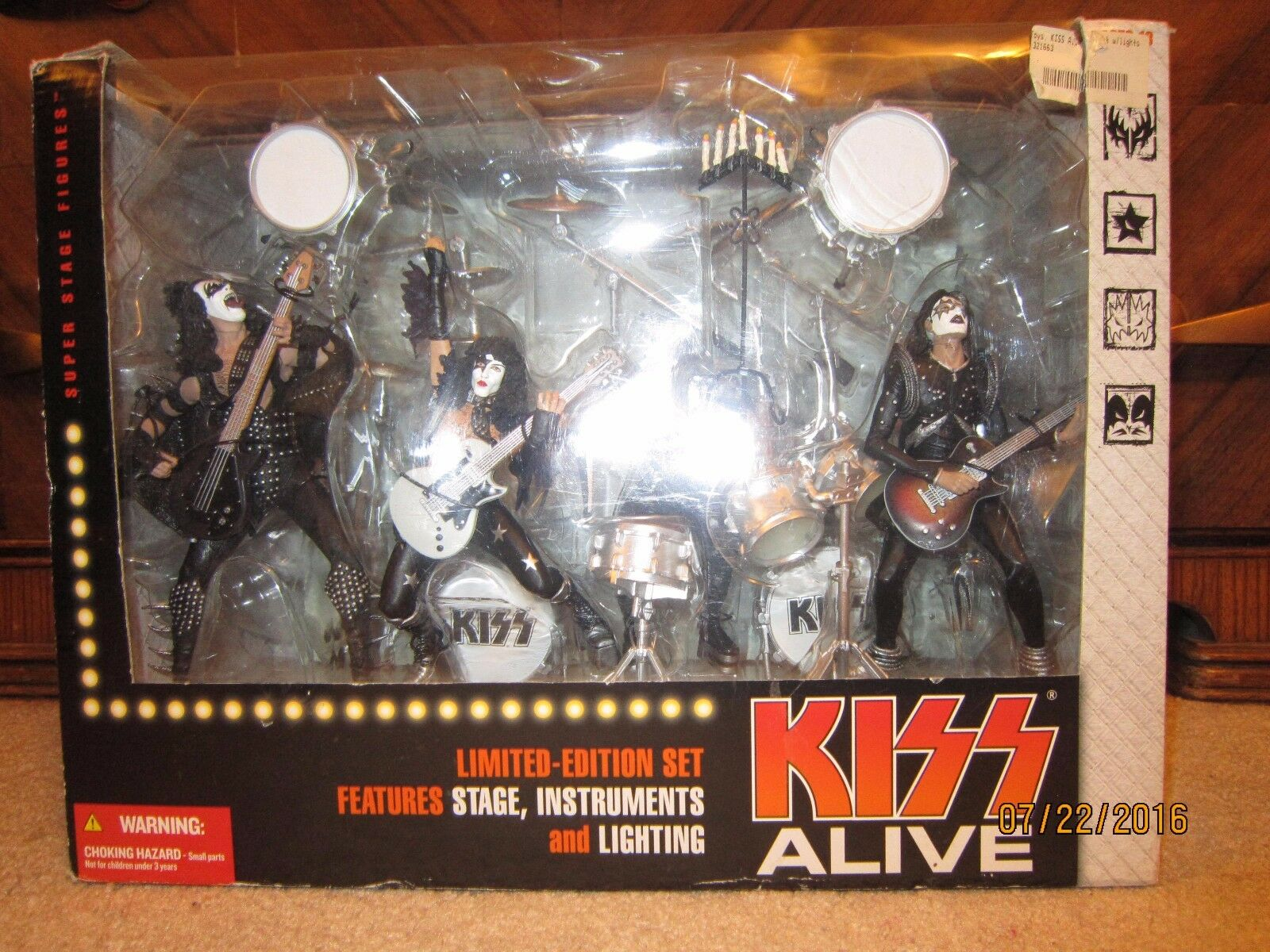 McFarlane Toys KISS ALIVE Deluxe Boxed Set Action Figures Figures Figures  HTF  ae3a40