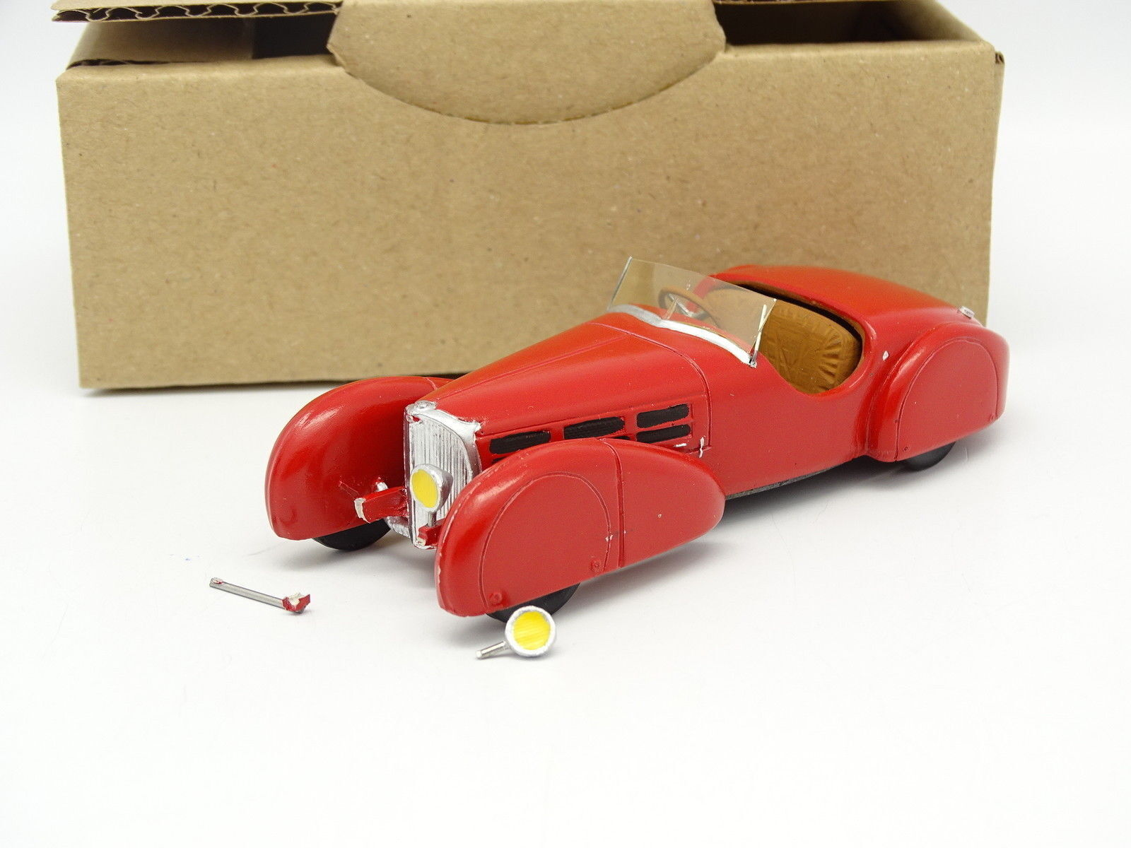 Aurore Models kit monté 1 43 - Bugatti 57 S 1935 Torpedo Sport Rouge