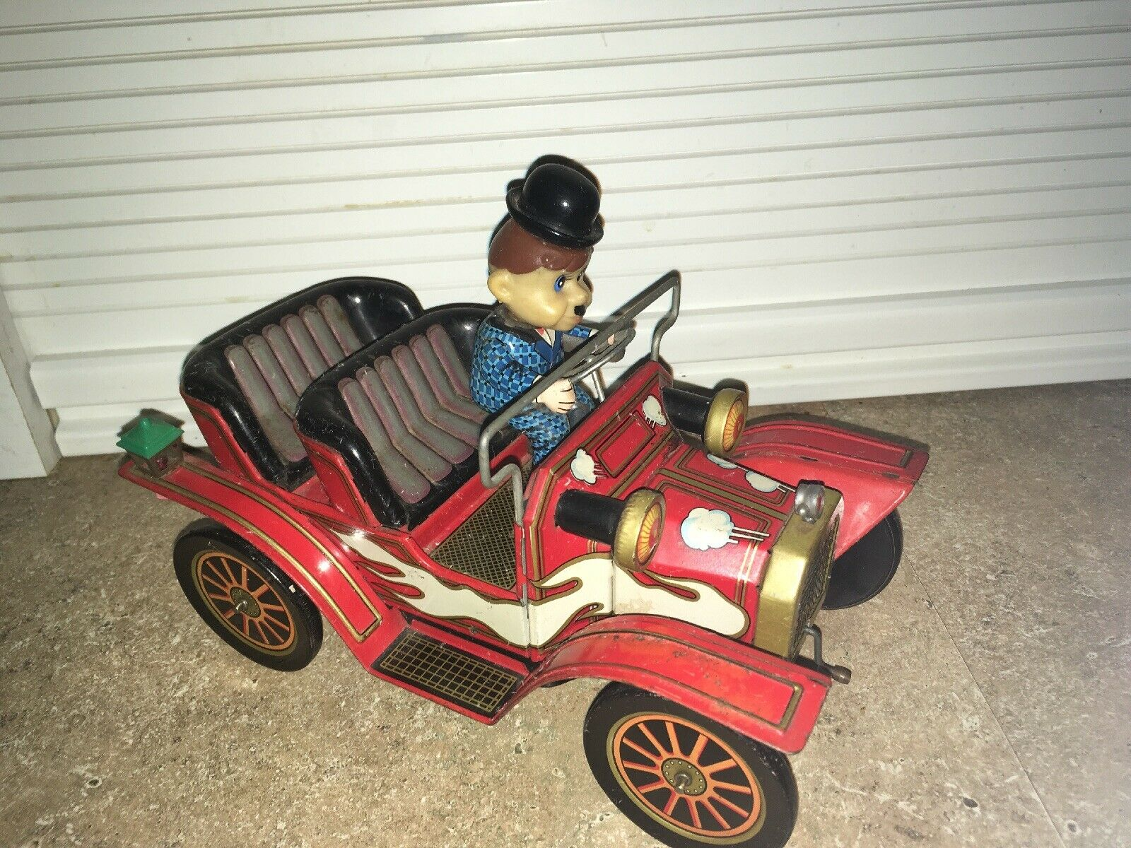 Battery Operated Antique Toy Car Mystery Action Double Seat Headlights Works