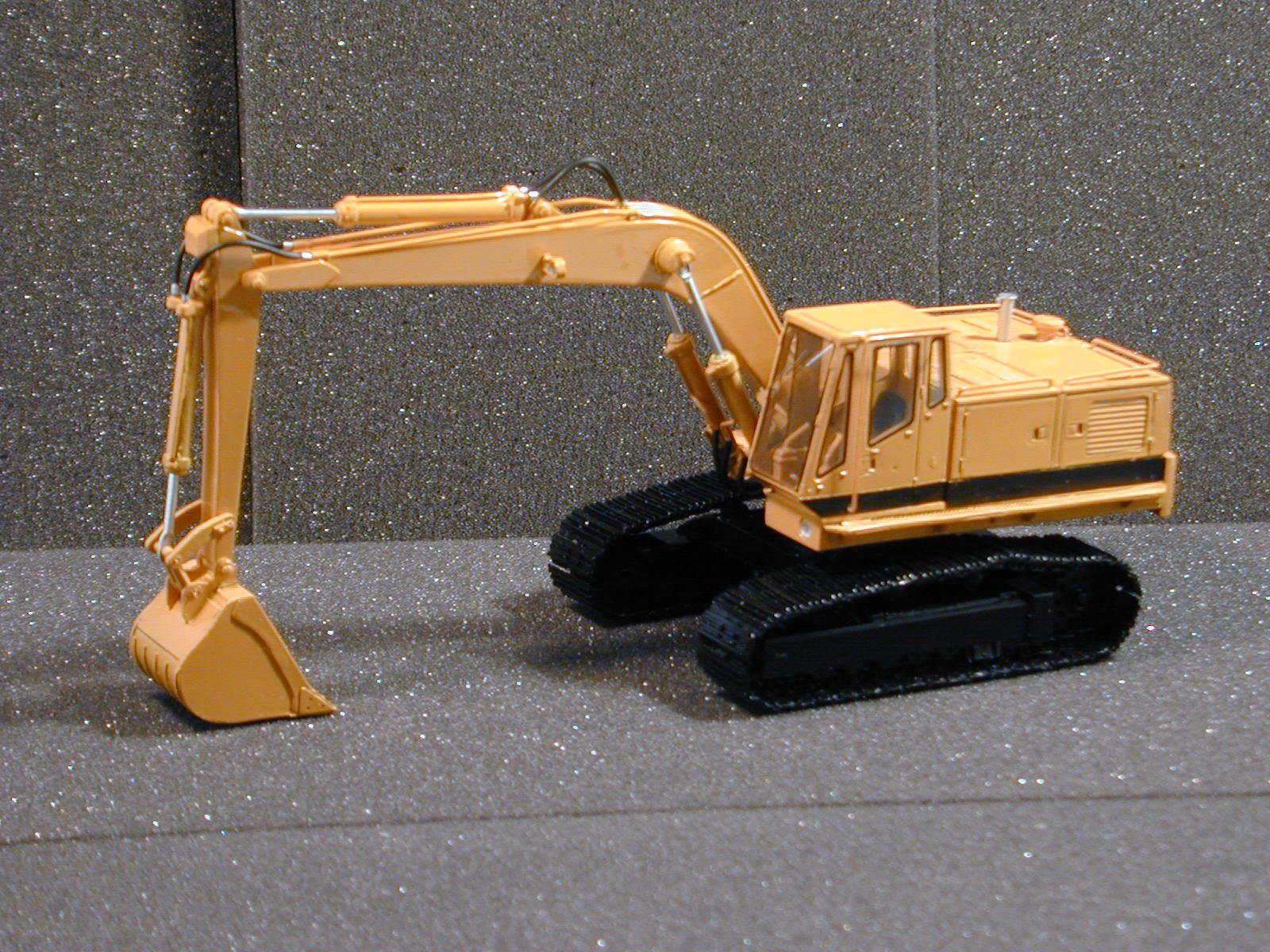 1 50 Excavator C225 - High Quality Resin KIT by MiM Models