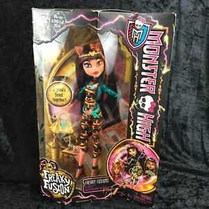 Monster-High-Doll-Freaky-Fusion-Cleolei-New-Sealed-Cleo-de-Nile-Toralei-NRFB