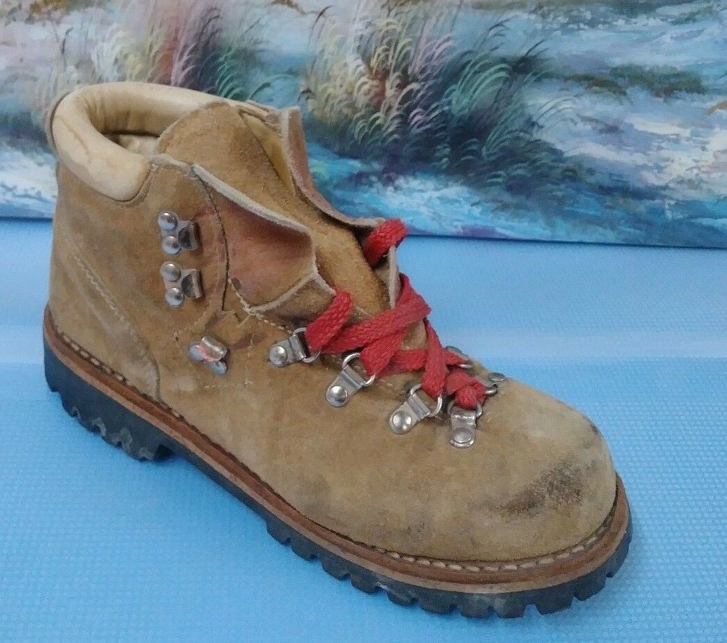 Mont white Men's Leather Vintage Hiking Boots Brown Leather 8.5B