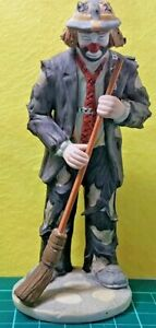 VTG-EMMET-KELLY-JR-FLAMBRO-HOBO-CLOWN-SWEEPING-WITH-BROOM-COLLECTIBLE-FIGURINE