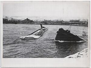 Bombenvolltreffer-im-Hafen-von-Feodosia-Orig-Pressephoto-von-1942