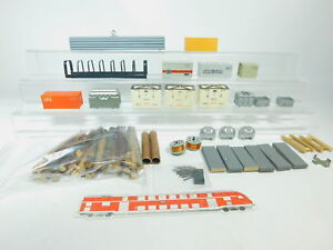 BM588-1-H0-Konvolut-Ladegut-Container-Behaelter-etc-Maerklin-Roewa-etc-2-Wahl