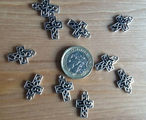 10 x  Celtic Design Cross charms pendants bead Pagan 18 mm Antique silver Easter