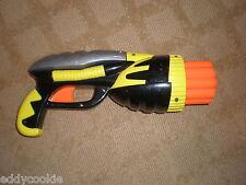 2003 BUZZ BEE TOYS DART GUN - 10 SHOT 0 YELLOW AND BLACK