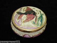 Jolie ancienne bonbonnière décor poisson, signé PUGI