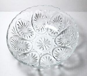 Vintage-Anchor-Hocking-Star-amp-Cameo-Clear-Glass-Bowl-With-Medallions