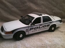 TAMPA  FLORIDA  POLICE UT 1/18 SCALE MOTORMAX DIECAST  WORKING LIGHTS AND SIREN