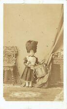 Photo cdv : Disdéri ; Le Prince Impérial au tambour et costume militaire