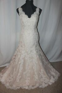 NWT-David-Tutera-114271-Ivory-amp-tea-rose-lace-long-bridal-gown-Size-10
