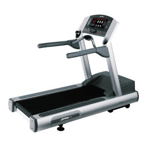Life-Fitness-95Ti-Treadmill-Factory-Remanufactured