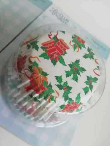 Club Green Bells /& Candle Design Holly 100 Pack of Christmas Cup Cake Cases