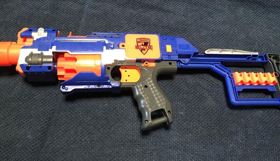 Våben, Nerf pistoler, gæværer og bue